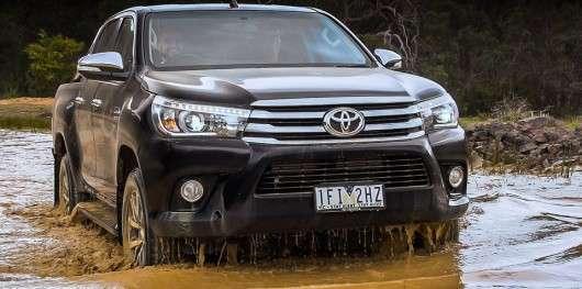 2016 Тойота Хайлюкс не змогла пройти «лосинный тест»