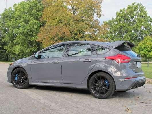 Огляд Ford Focus RS 2016 року - найгарячіший з хетчбеків