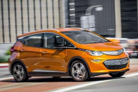 Маленький електрокар Chevrolet Bolt став автомобілем року