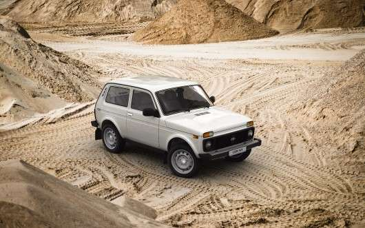 Пять найбільш старих автомобілів, які ще знаходяться у виробництві