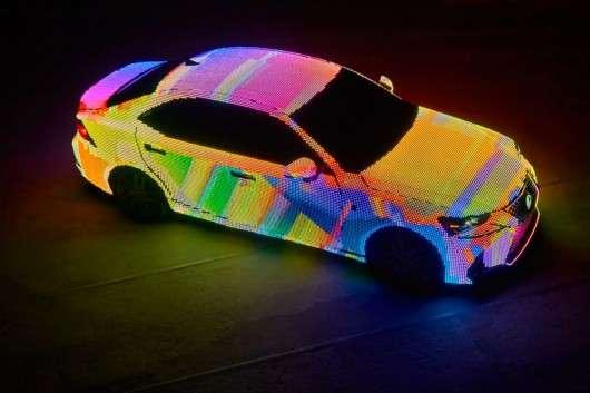 Lexus «загорнув» модель IS світлодіоди