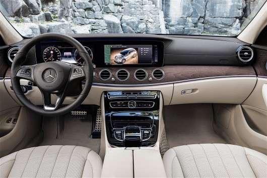 Mercedes E-Class All-Terrain виїжджає на бездоріжжі, перші відео