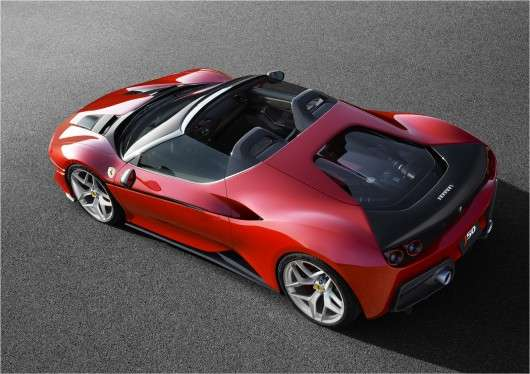 Ferrari показала новітню модель суперкара J50
