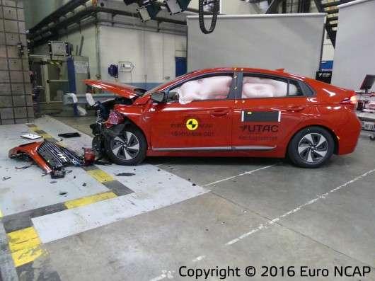 Euro NCAP склав рейтинг найбільш безпечних автомобілів у 2016 році