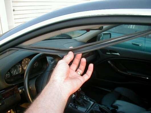 Як запобігти замерзанню дверей автомобіля