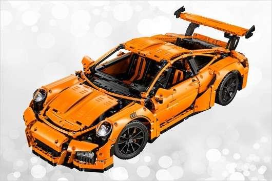 Кращі новорічні подарунки для любителів автомобілів