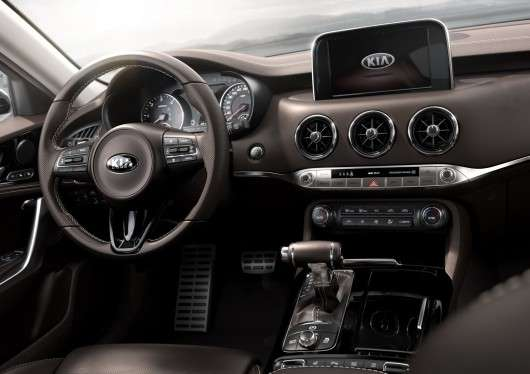 Неймовірна новинка Kia Stinger GT на автосалоні в детройті 2017 року [Фотографії, технічні характеристики]