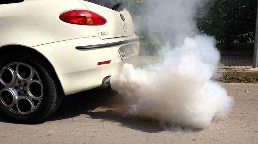 Про які проблеми говорить колір диму з вихлопної труби