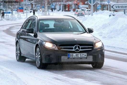 Перші фотографії оновленого універсалу Mercedes-Benz C-Class