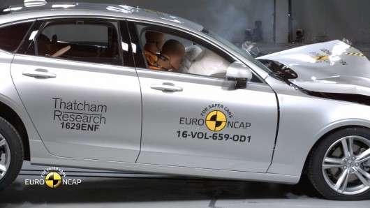 Volvo S90 і V90 отримали максимальні нагороди Euro NCAP