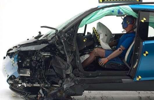 Tesla Model S і BMW i3 не отримали найвищу нагороду IIHS Top Safety+