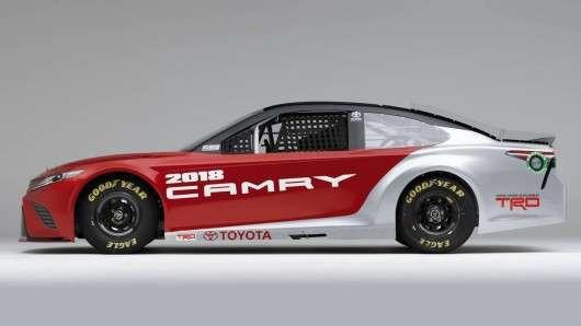 Нудний дизайн геть! Нові моделі Тойота отримають яскраву зовнішність