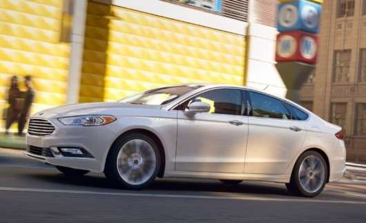 Топ-10 американських автомобілів, які насправді проводяться не в Америці