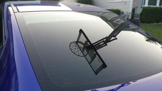 Ось навіщо потрібні маленькі крапки по краях скла автомобіля