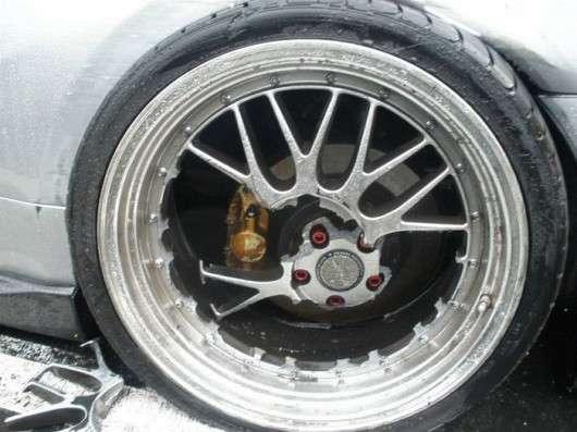 Різні типи коліс: Як вони виготовлені