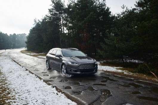 Форд розробив і продовжує удосконалювати систему виявлення дорожніх нерівностей