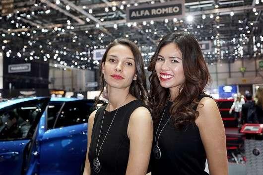 Дівчата на автошоу в Женеві: 2017 року