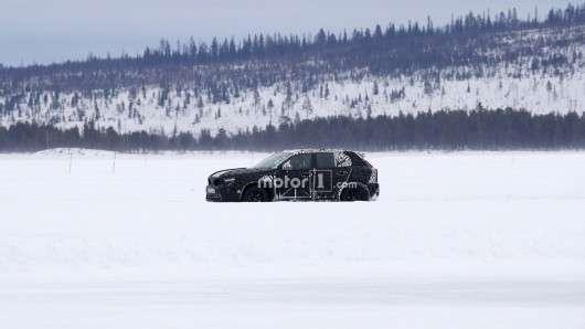 2018 Volvo XC40 - перші фотографії прототипу на дорожніх випробуваннях