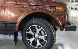 Шпигунські фото Лада Веста Крос і фотографії Lada 4x4 «40 Anniversary»