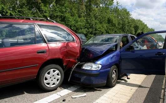 Хто повинен відповідати за ДТП, власник автомбиля або той, хто перебував за кермом у момент аварії?