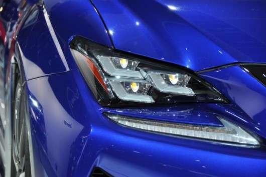Передні фари в сучасних автомобілях стають занадто дорогими