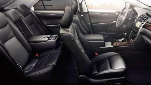 Тойота показала оновлену Камрі для ринку Росії