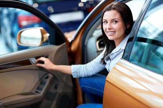 Набуває право власності покупець автомобіля до реєстрації в ГИБДД?